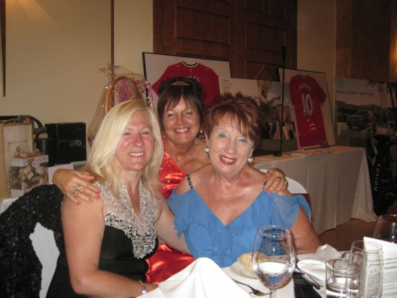 Gill, Tricia & Carole at the ball (1024x768)