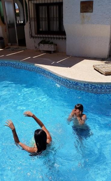 Benidorm pool day4 (492x800)