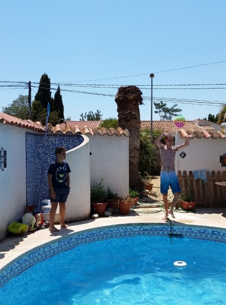 Benidorm pool day5 (593x800)
