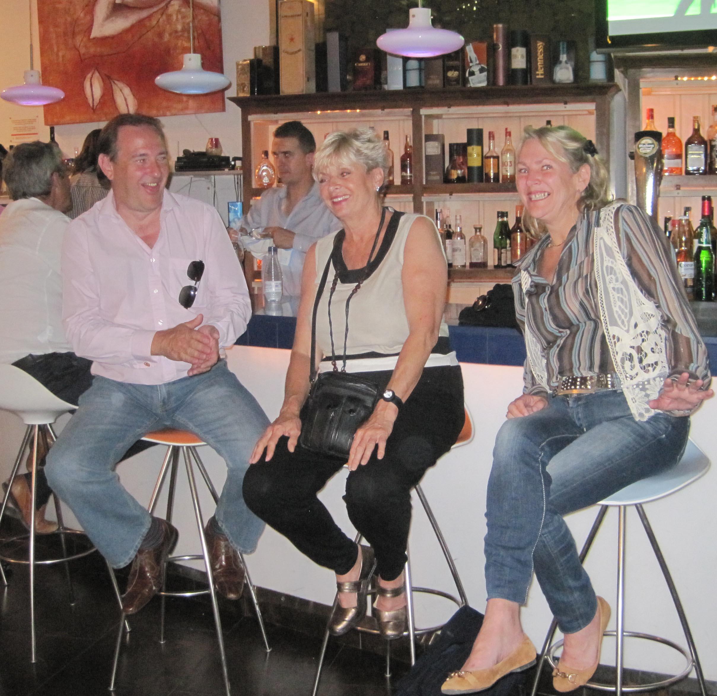 wine-tasting-guests4